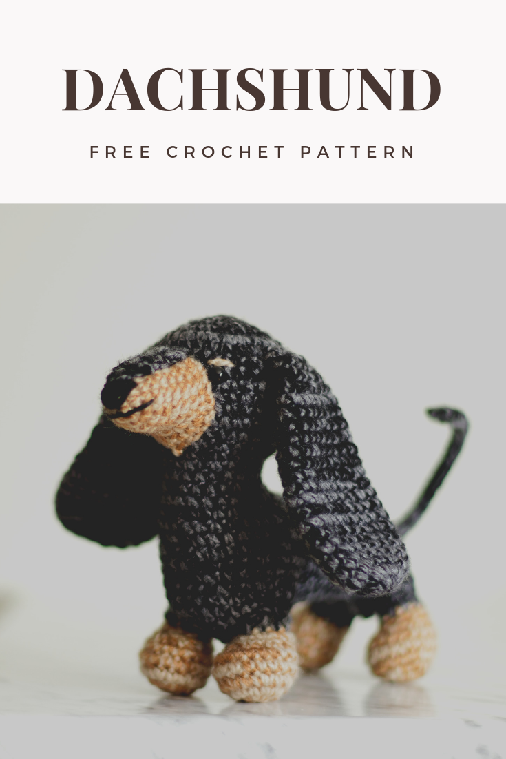 Amigurumi crochet doll pattern: Gloria with realistic bottom | 1102x735
